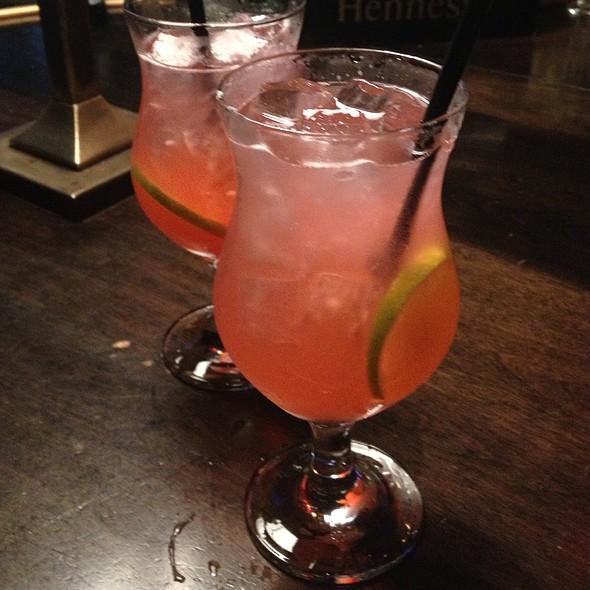 Raspberry Lemonade And Gin