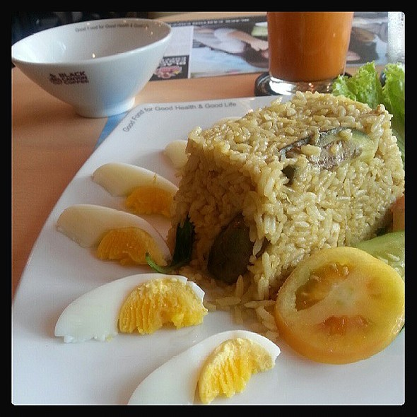 Green Curry Chicken Fried Rice @ Black Canyon Coffee