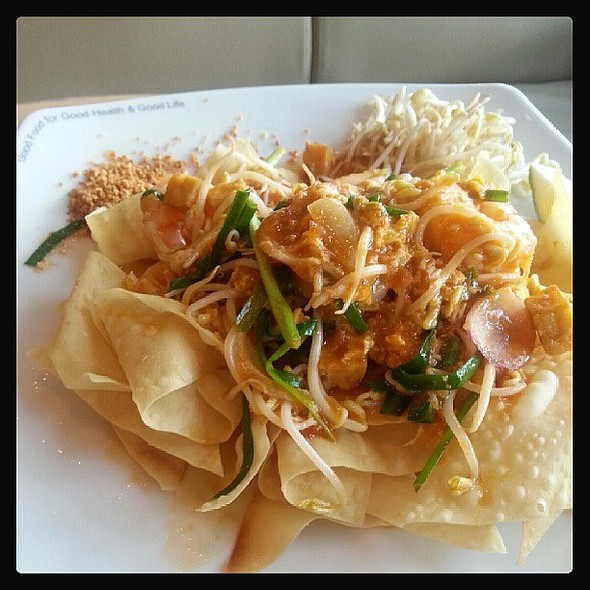 Phad Thai Kiew Krob @ Black Canyon Coffee