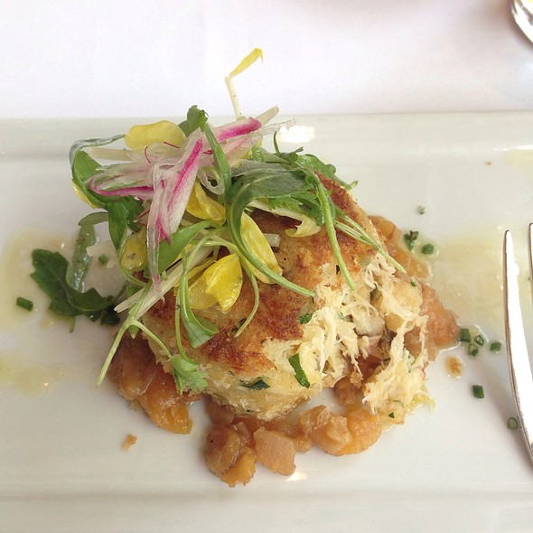 Dungeness Crabcakes - Polo Lounge @  The Beverly Hills Hotel, Beverly Hills, CA