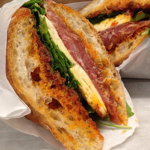 Procuitto Sandwich @ Organique