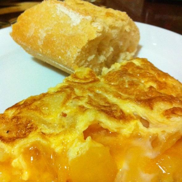 Tortilla de patata @ Bar Txiki