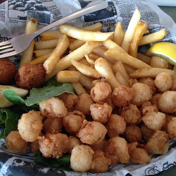 Bay Scallop Basket @ Apalachicola Seafood Grill & Steaks