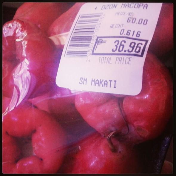 Macopa or Malay Apple @ sm supermarket, sm makati