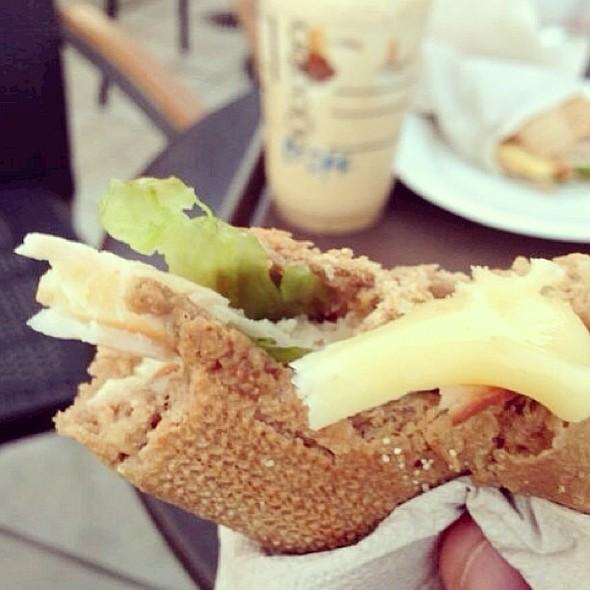 Turkey and swiss @starbucks @starbuckskuwait @fnbboy @ Starbucks Coffee