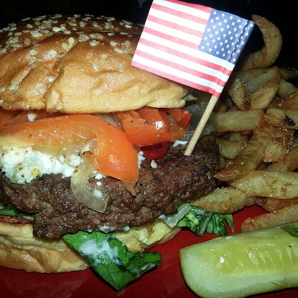 Red White And Brew Burger @ Marlow's Tavern