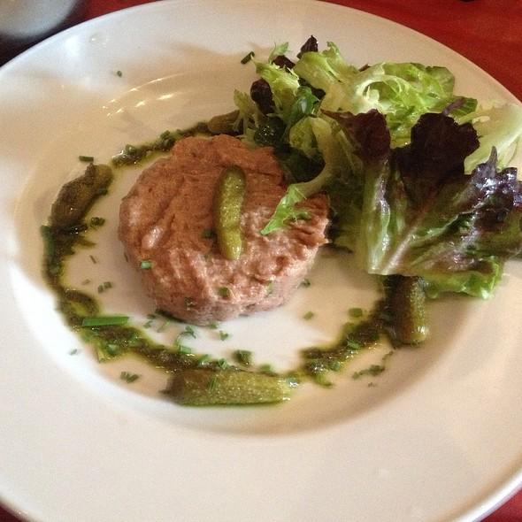 steak tartare @ Bistro La Bonne