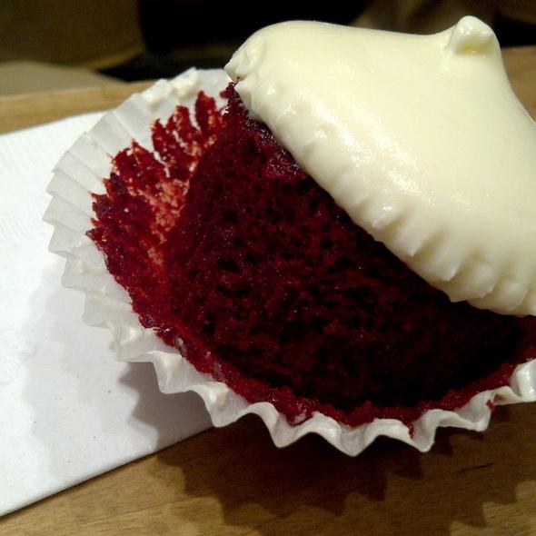 Red Velvet Cupcake @ Dessert Club ChikaLicious