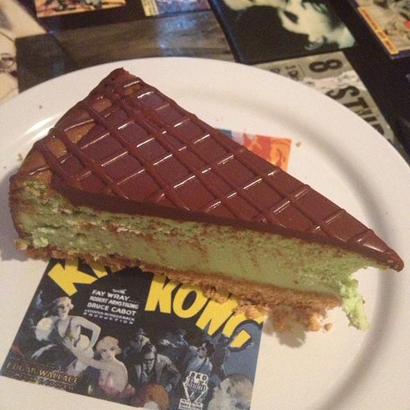 Green Tea And Chocolate Cheesecake @ Cheesecake Machismo