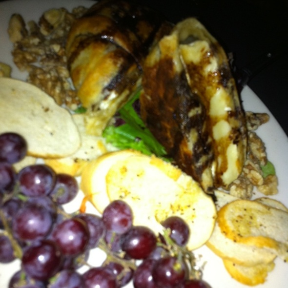 Baked Brie - The Mantel Wine Bar and Bistro, Oklahoma City, OK