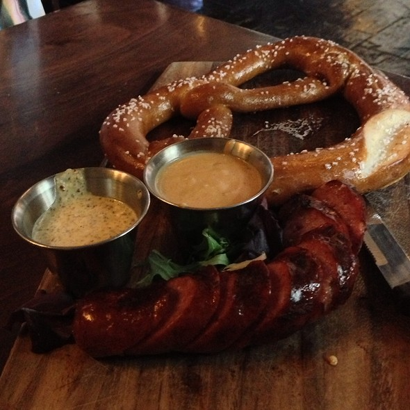 Hot Buttered Pretzel & House Smoked Sausage @ de Vere's Irish Pub