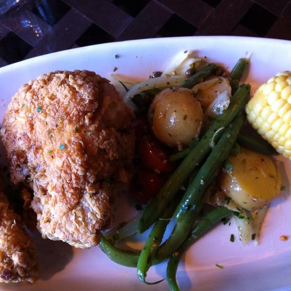fried chicken special @ Breakaway Cafe
