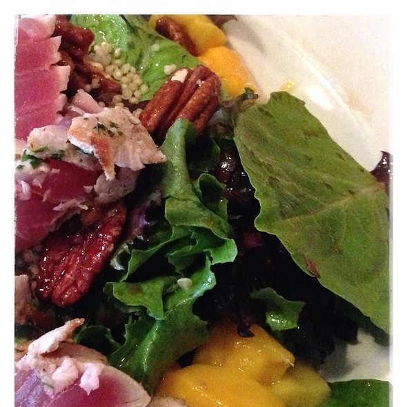 Seared Ahi Tuna Salad - Washington Park Grille, Denver, CO