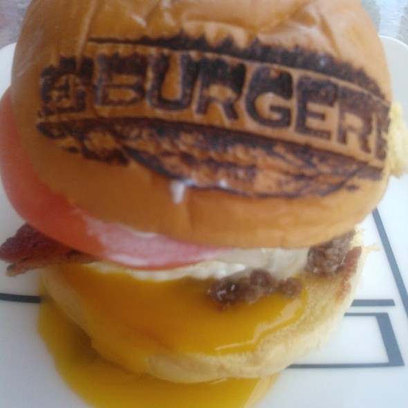 Single Burger @ Burger Fi
