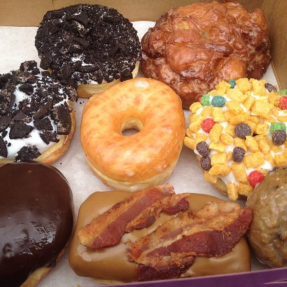Donuts @ Voodoo Donuts