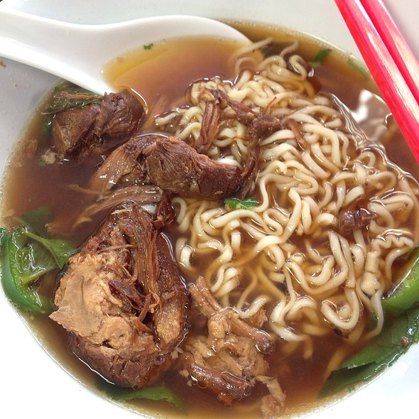 Pork Ramen Soup @ Saucy Porka
