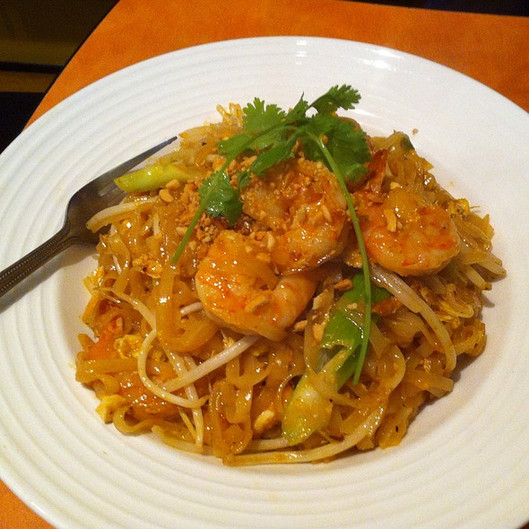 Pad Thai @ Marnee Thai Restaurant