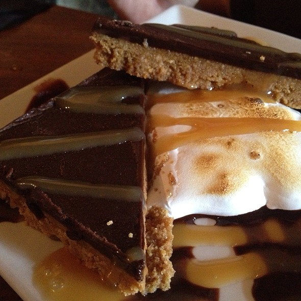 s'mores - McCoole's Red Lion Inn, Quakertown, PA