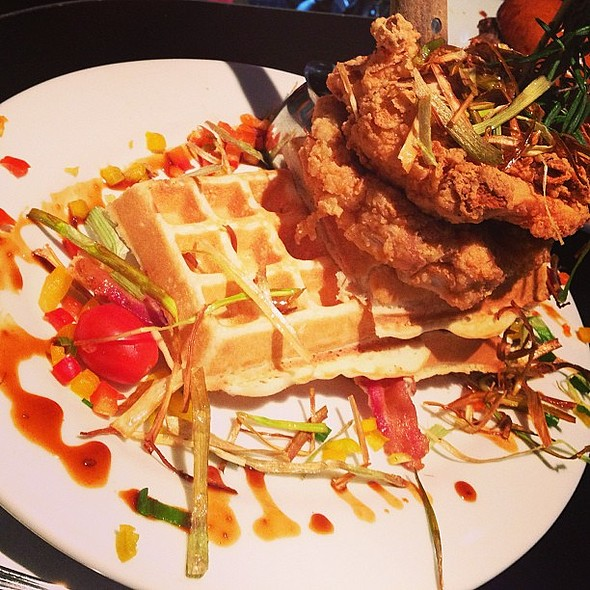 Chicken and waffles! @ Hash House A Go Go