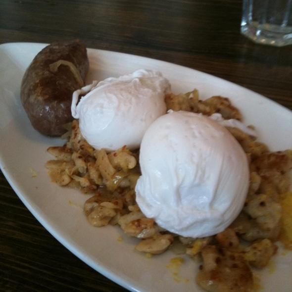 Brat, Kraut & Eggs @ The Hoof Cafe