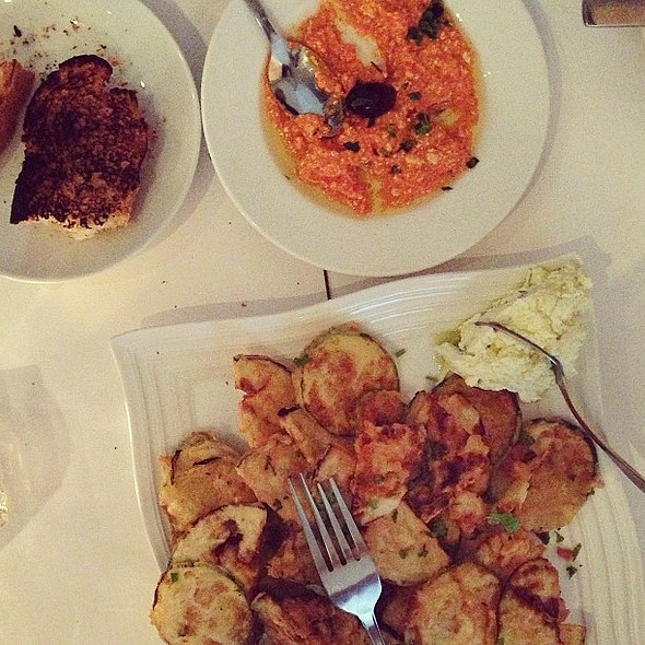 Greek dinner with the family @ Élla-Grill