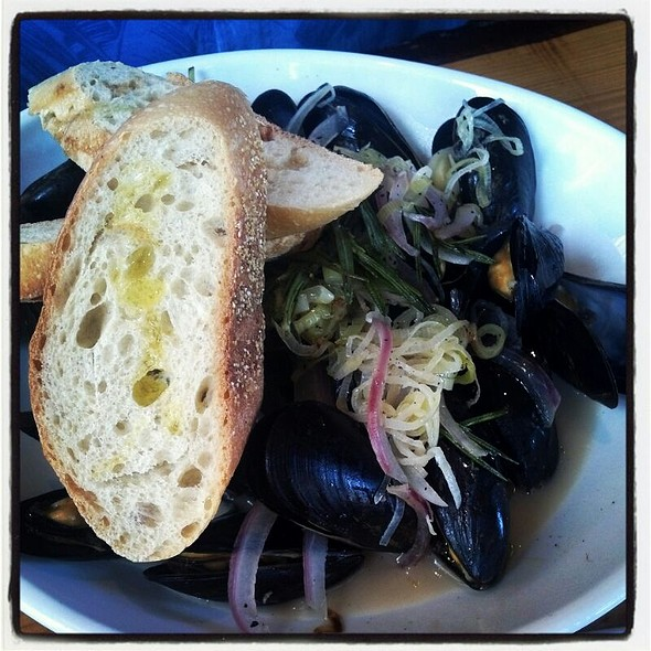 Steamed Mussels - Hickory Lane American Bistro, Philadelphia, PA