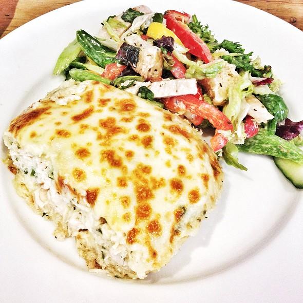 Chicken Pie & Mixed Salad