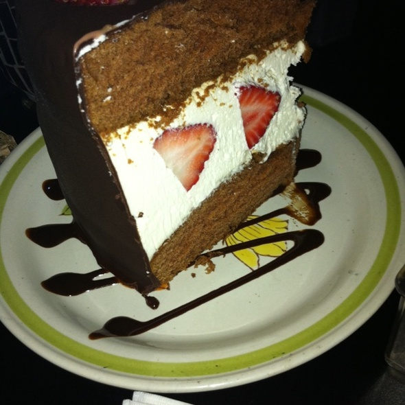 Strawberry Cake @ Lulu's Chocolate Bar