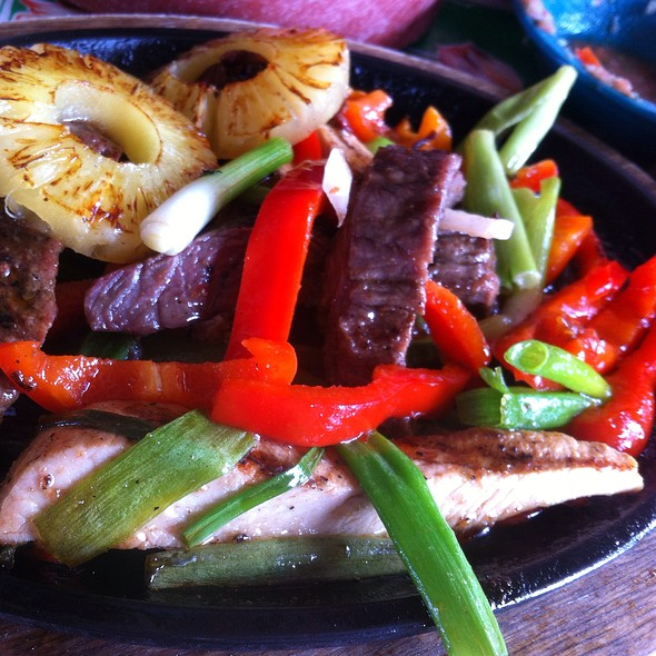 Hawaiian Fajitas @ Hula Hut