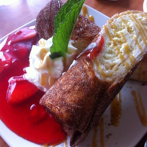 Cheesecake Stuffed Beignets @ Luby's