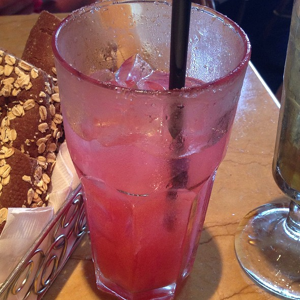 Raspberry Lemonade @ Cheesecake Factory - Aventura