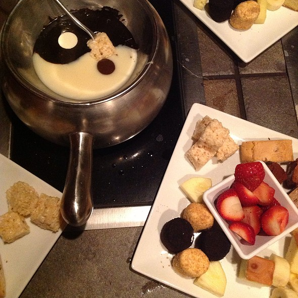 Yin & Yang Fondue @ The Melting Pot
