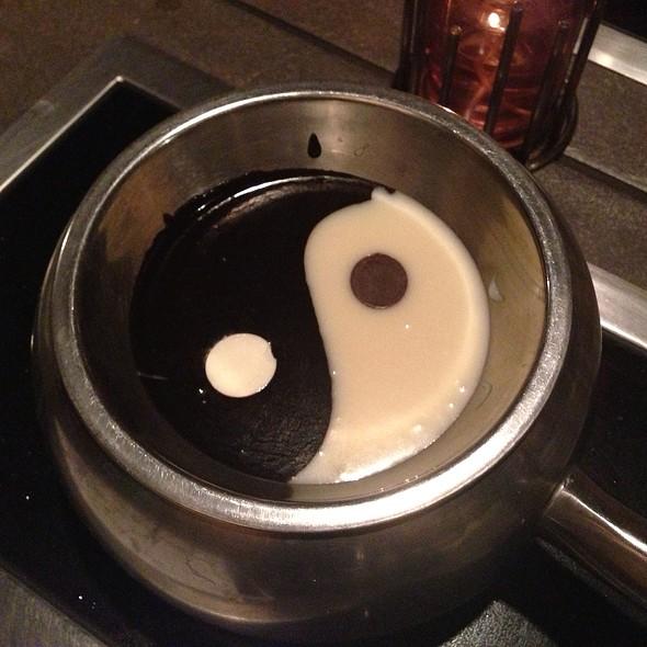 Yin & Yang Fondue