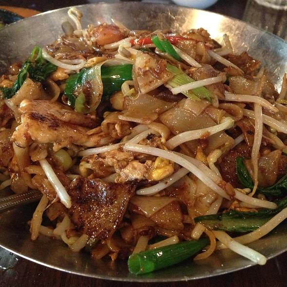 Flat Noodles @ Mamak Malaysian Restaurant