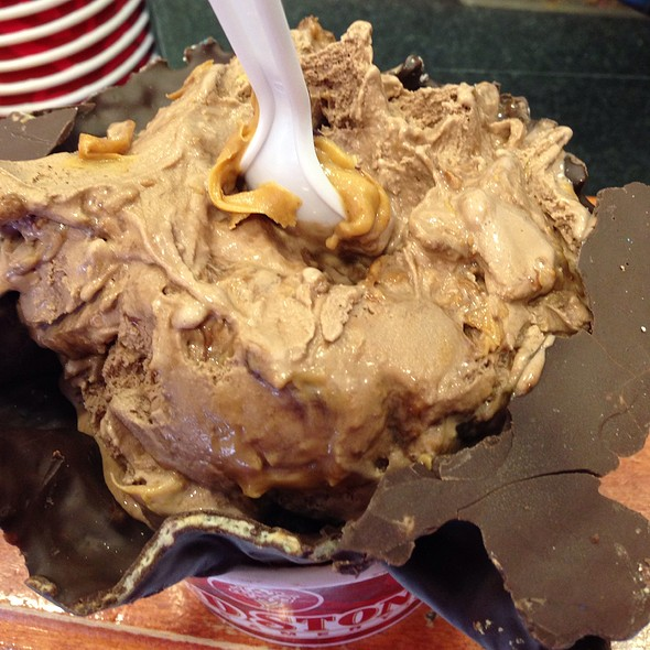 Peanut Butter Cup Perfection  @ Cold Stone Creamery