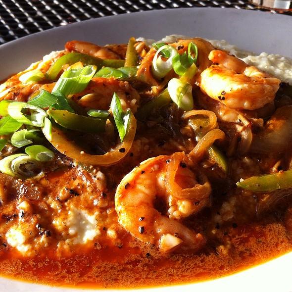 Shrimp and Grits @ Le Bon Ton Roulé