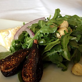 Arugula Salad With Dried Figs