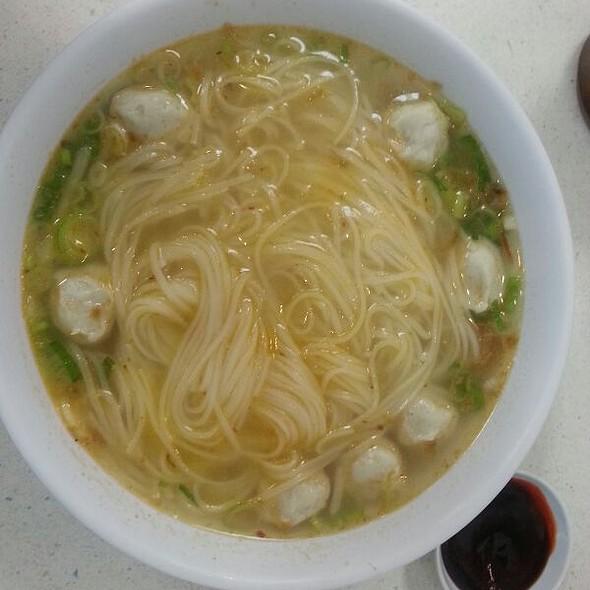 Fish Ball Noodle Soup @ Kim Ky Noodle House