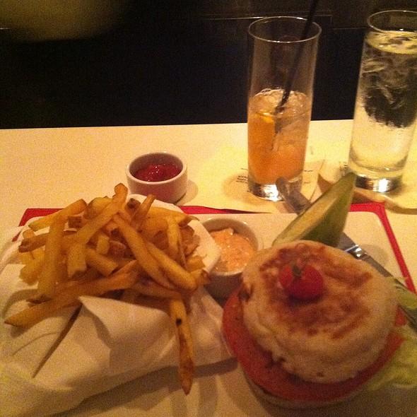 Burke's Angus Burger