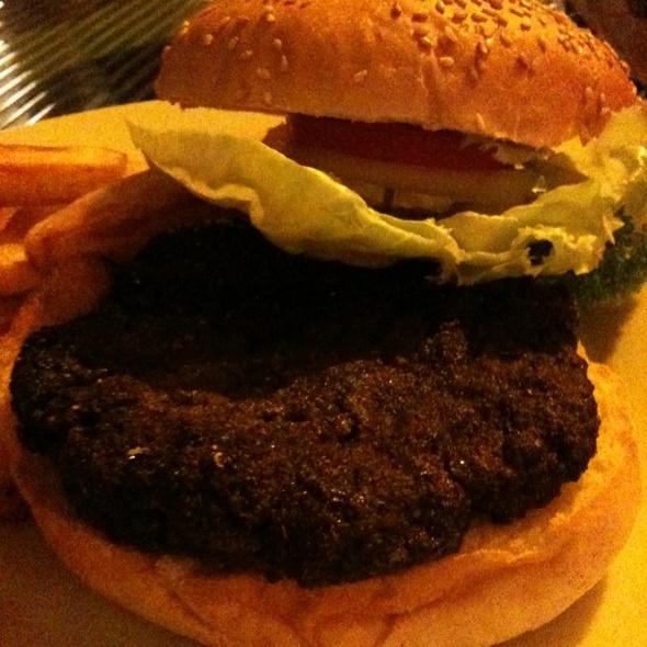 Blackened Burger @ Cottage Kitchen