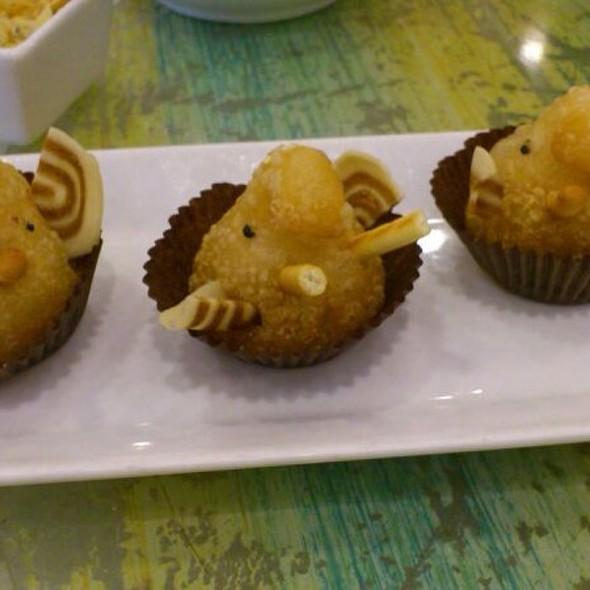 Deep Fried Meat Dumplings @ 鴻星海鮮酒家