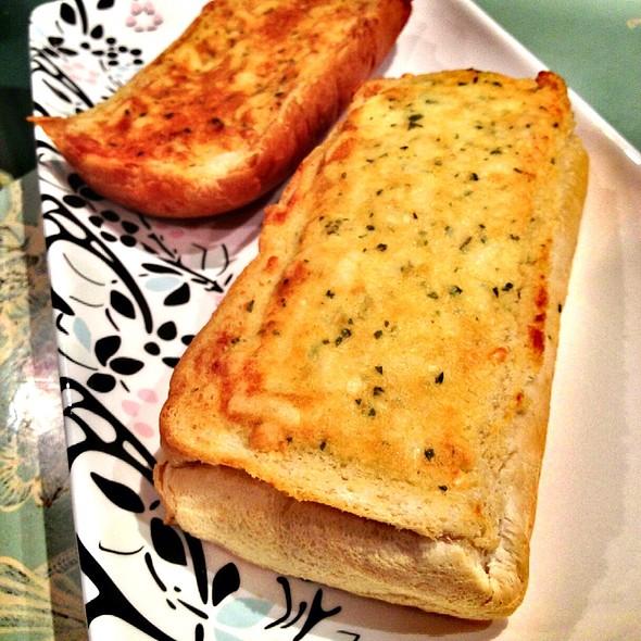 Cheese Garlic Bread @ Pizza Base
