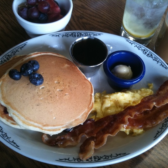Blueberry Pancakes @ Dufour's In Irvington