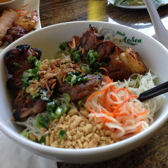 Vermicelli With Marinated Pork And Grilled Shrimp @ Pho Ao Sen Restaurant