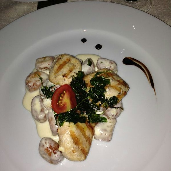 Chicken With Tortellini