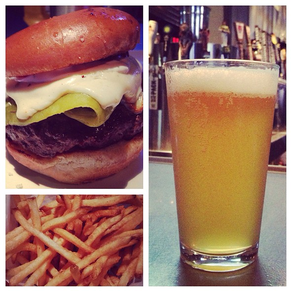 Pepper Jack Burger & Side Of Beer @ Yard House