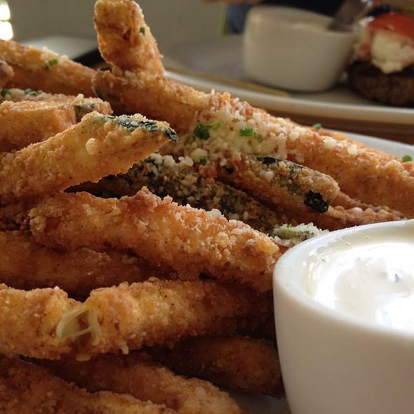 Zucchini Fries @ Zinburger