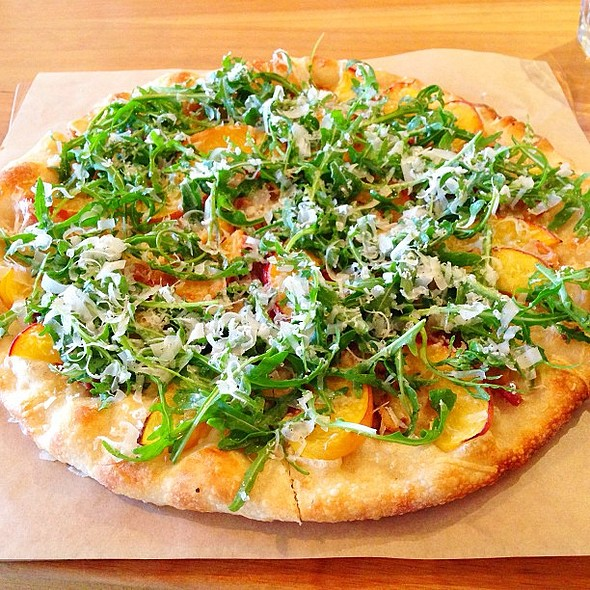 Pesca Pizza: Pancetta, Peaches, Parmesan and Arugula @ Piccino