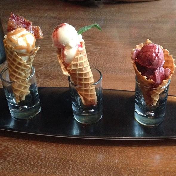 Ice Cream Trio @ prasino