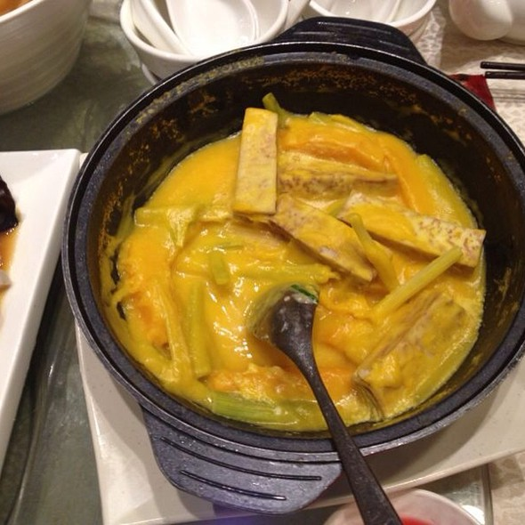 Pumpkin Taro Clay Pot @ 海港酒家